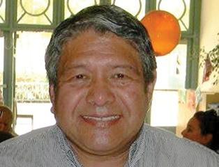 Profesor analiza a Faulconer, Álvarez