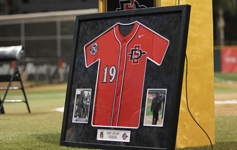 SDSU baseball honors the late Tony Gwynn at home opener