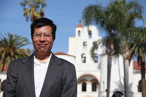 Profesor brinda su diversidad a SDSU