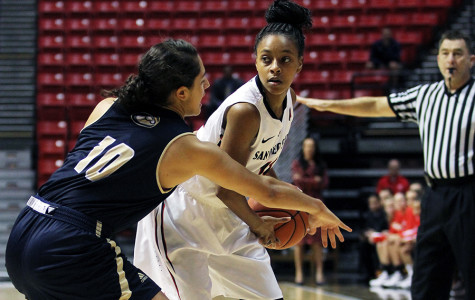 Women's basketball handed 4th straight loss by Washington