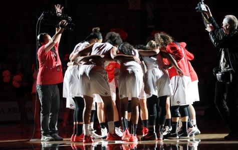 Women's basketball falls 65-54 against UC Davis, suffers third straight loss to start season
