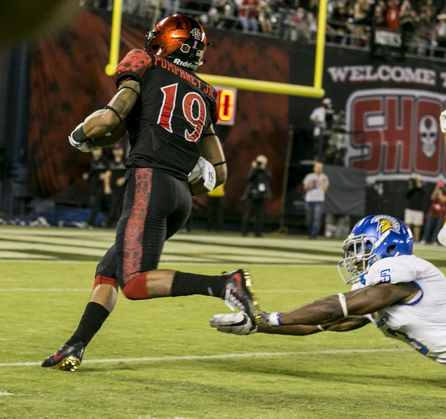 Pumphrey 5th in NCAA after San Diego State rolls 40-13