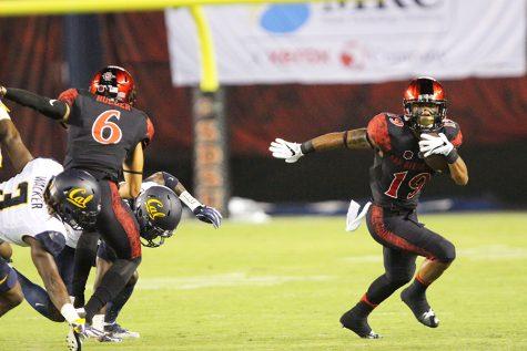 Pumphrey powers SDSU football past Fresno, 17-3